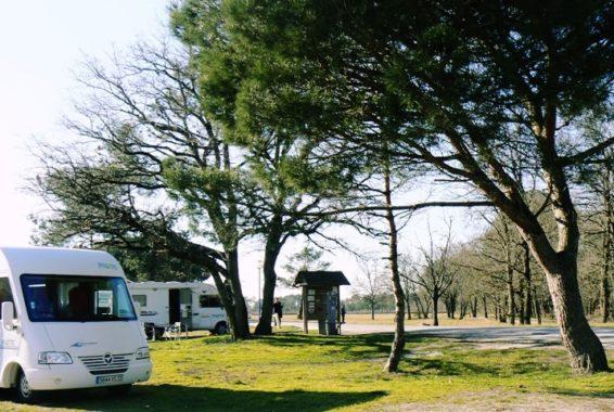 Aire de stationnement et de service Camping cars Andernos les Bains crédit photo Andernos tourisme