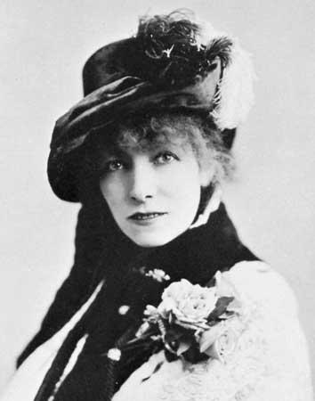 Sarah Bernhardt vers 1880, cliché de Napoléon Sarony.
