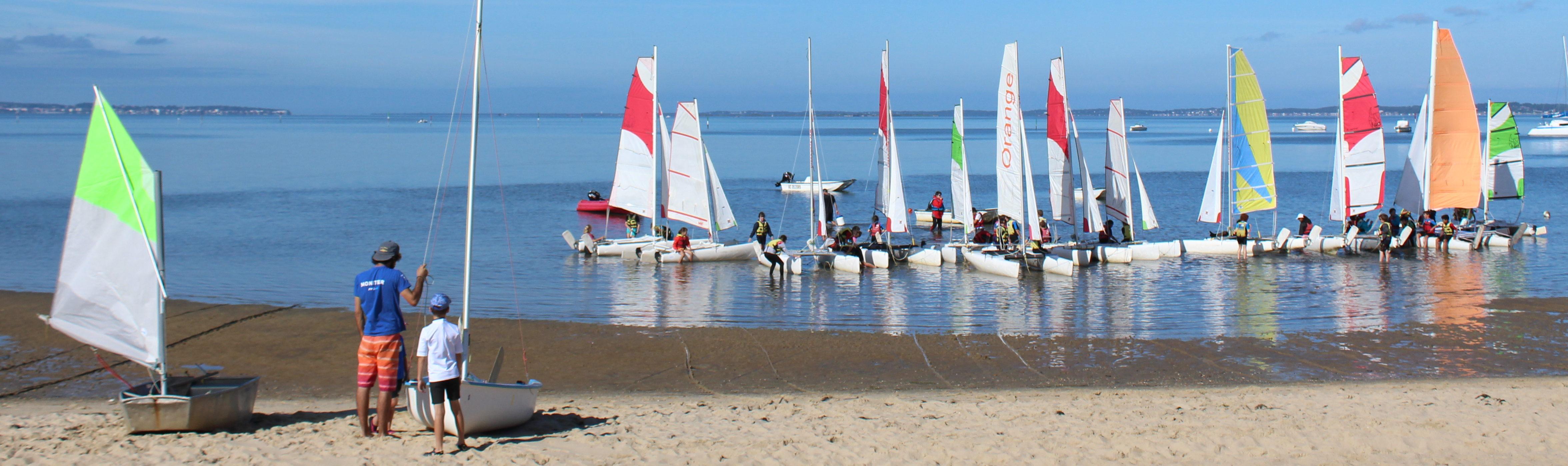 Voiles sports nautiques Andernosiens à la plage du Bétey - crédit photo Andernos tourisme